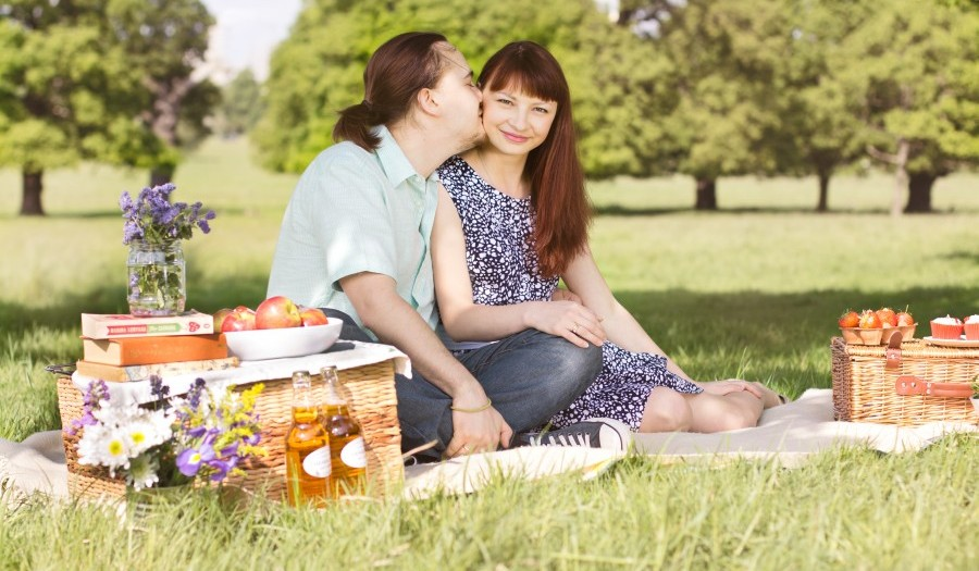 Summer Picnic Photoshoot With Anna And Dmitry